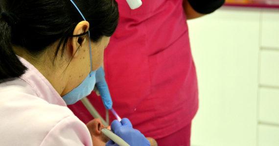 ¿Cómo actuar en caso de una emergencia dental?